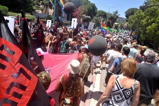 לא עוד רחובות צדדיים. מצעד הגאווה בחיפה (צילום: יעקב סבן)
