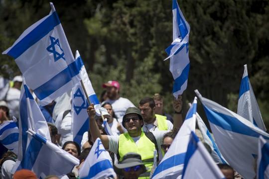 צעדת השוויון מגיעה לירושלים (יונתן סינדל / פלאש90)