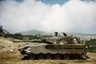 טנק מרכבה בהרי לבנון, 1982 (Avneref CC BY-SA 3.0)