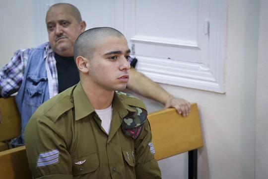 אולי הגיע הזמן שעורכי דינו יעלו במקומו לספסל הנאשמים את המדינה. אלאור אזריה (פלאש90)