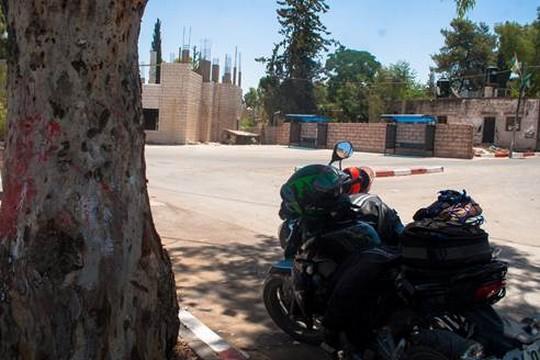 מנוחת האופנועים (בסאם אלמוהור)