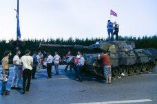 טנק ששימש את החיילים המורדים בניסיון ההפיכה בתורכיה בבוקר שאחרי (צילום: איסר קרדאג, פליקר CC BY-ND 2.0)