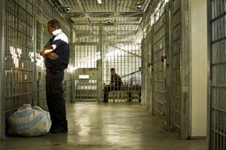 אסיר במעבר (אילוסטרציה: משה שי / פלאש90)