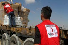 פירות הסכם הפיוס. משאית של ציוד הומניטרי מתורכיה מגיעה לעזה לאחר שעברה במעבר כרם שלום. 4 ביולי 2016. (צילום: עבד רחים ח'טיב/פלאש90)