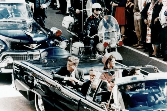 תאוריות קונספירציה לא רק אצלנו. מי רצח את הנששיא קנדי? (צילום: Walt Cisco, Dallas Morning News)