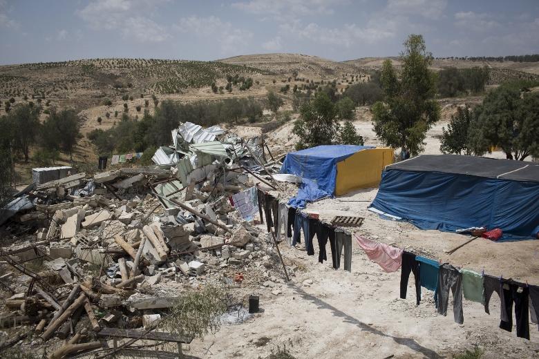 הריסות בכפר אום אל-חיראן, מאי 2013. באזור צפוי לקום יישוב יהודי שיחליף את זה הערבי (אקטיבסטילס)