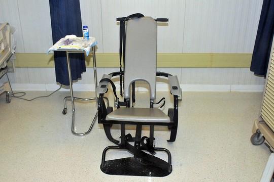כסא להזנה בכפייה, כלא גואנטנמו