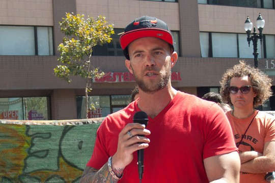 קול דורסי, אסיר לשעבר ואחד ממארגני הפגנות התמיכה. (צילום: בראדלי אלן)