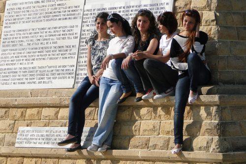 כך הפכו נשים בלונדיניות למוקד ההטרדות המיניות באיסטנבול