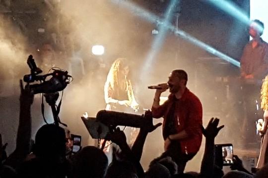 אחרי הכל, חשמל את הקהל. תאמר נפאר בהופעה בחיפה (צילום: יואב חיפאווי)