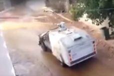 """צפו: צה""""ל מפזר מי בואש על בתי פלסטינים בכפר קדום"""