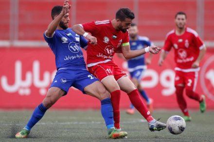 משחק גם בנבחרת פלסטין: מוחמד דרוויש בכחול במדי הילאל אל-קודס במשחק נגד אהלי אל-ח'ליל מחברון (יוסף שאהין)