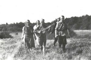 קבוצת נוער וואנדרפוגל בטיול 1926 (צילום באדיבות Archiv der deutschen Jugendbewegung)