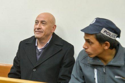 באסל גטאס בדיון על הארכת מעצרו בבית משפט השלום בראשון לציון (אבי דישי/פלאש90)