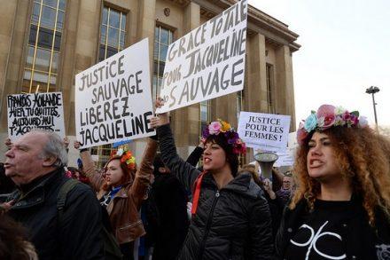 הפגנת נשים למען ז'קלין סובאז' (PASCAL.VANDON CC BY-ND 2.0)