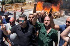 חיפה כימיקלים מנסה לכופף את המדינה על הגב של העובדים