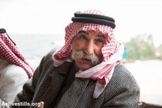 עשרה חודשי מאסר בפועל בגלל פלישה לאדמתו שלו. שייח' סיאח א-טור, אל-עראקיב (ריאן רודריק ביילר/אקטיבסטילס)