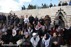 נשים פלסטיניות מוחות על הכרזת טראמפ. שער שכם בכניסה לעיר העתיקה בירושלים, 7 בדצמבר 2017. (אורן זיו / אקטיבסטילס)