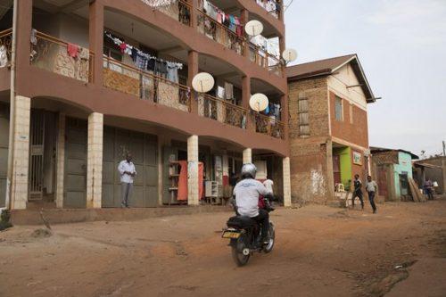 """דיווח מיוחד מאוגנדה: """"לא נהפוך לפח זבל של מדינה שלא רוצה פליטים"""""""