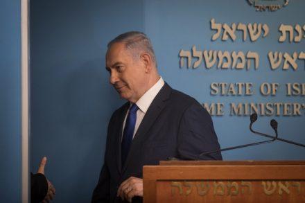 """בנימין נתניהו במסיבת העיתונאים על ההסכם עם האו""""ם בעניין מבקשי המקלט (הדס פרוש / פלאש90)"""