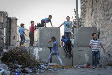 הנערים היהודים קפצו על מוחמד. עמדתי וצעקתי. איש לא עזר