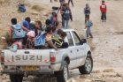 כ-40 אחוז מתקציב החינוך של מועצת אלקסום מוקדש להסעות של ילדים מהכפרים הבלתי מוכרים. ילדים בדואים בדרך לבית ספר בנגב (צילום יעלה רענן, המועצה האזורית לכפרים הלא מוכרים)