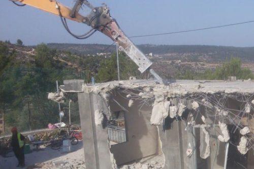 דחפורים הרסו ארבעה בתים בוולאג'ה, כפר בי-ם מעבר לגדר ההפרדה
