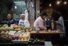 השעה היתה מוקדמת, בשוק היו לקוחות בודדים יחסית (צילום: הדס פרוש / פלאש 90)