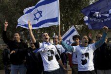 פעילי אם תרצו מפגינים באוניברסיטה העברית. (צילום: אורן זיו)