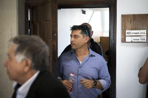 """""""כשמסמנים מנהלת בנק כפושעת זו הסתה"""". טיראן פרטוק, מומחה """"לניהול משברים"""", בכניסה לדיון במשפט """"באים לבנקאים"""", (צילום: אורן זיו / אקטיבסטילס)"""