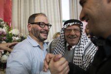 """קיבל מחיאות כפיים כאילו היה דובר פלסטיני. דר עופר כסיף חוגג אחרי בחירתו למקום השלישי ברשימת חד""""ש (צילום: אורן זיו / אקטיבסטילס)"""