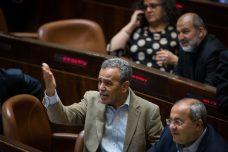 לא נשיג שחרור דרך הכנסת, אבל חרם הוא לא תכנית עבודה