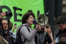 הכירו את הנערה הישראלית שמובילה את מחאת האקלים בלונדון