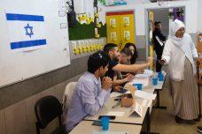 לערבים אין חצי דרך: או להיכנס לפוליטיקה הישראלית או לצאת ממנה
