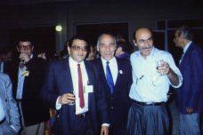 התרומה של הפנתרים השחורים עדיין לא הוכרה. כוכבי שמש (משמאל) עם לטיף דורי ויוסף שילוח במפגש בספרד של פעילים מזרחים ופלסטינים ב-1989