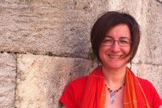 האשמה: חתמה על עצומה שקוראת להגיע לפתרון של שלום עם הכורדים. פרופ' עאיישה גול אלטינאי (צילום: אֶבּרוּ ניהן גֶ'לקאן)