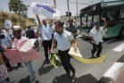 """ממשאת נפש של מעמד הביניים, נהגי אוטובוס הפכו לעובדי קבלן. הפגנה של עובדי """"אגד תעבורה"""" למען שיפור שכרם (צילום: יונתן סינדל / פלאש 90)"""