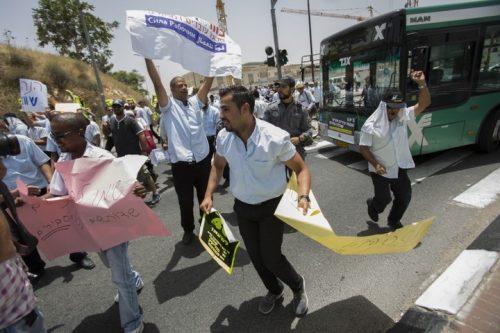 הקשר בין הפרטה לגזענות: המקרה של נהגי האוטובוס הערבים