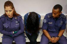 """""""המטפלת המתעללת"""" כרמל מעודה בדיון בבית המשפט בלוד. 7 ביולי 2019 (פלאש 90)"""