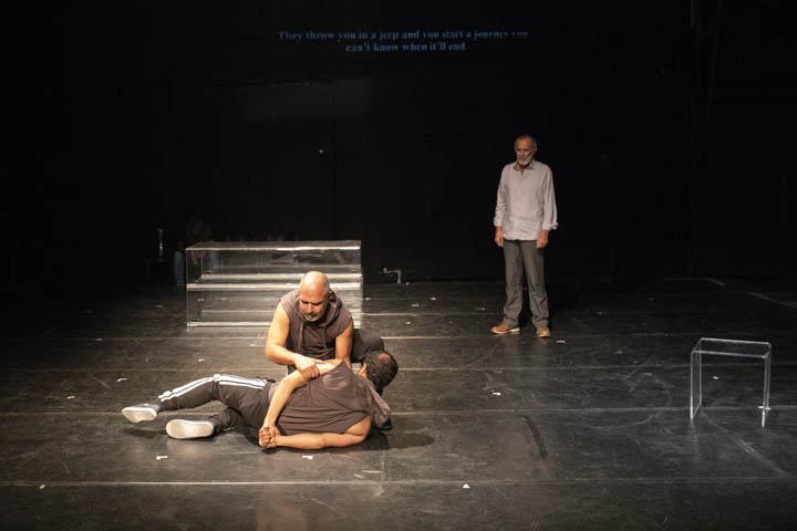 חזרת להצגה ״אסירי הכיבוש״ בתאטרון תמונע (צילום: אורן זיו)