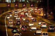 פקק תנועה באיילון, בכניסה לתל אביב (צילום: משה שי / פלאש90)