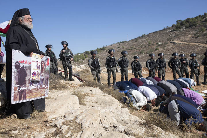 הפגנה נגד השתלטות מתנחלים על אדמות בכפר סוריף, 22 בנובמבר 2019 (צילום: אורן זיו)