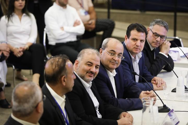 """ניסיון """"לאלף"""" את המיעוט הפלסטיני דרך כיבוש התודעה של מנהיגיו. ח""""כים מהרשימה המשותפת בדיון בוועדת הבחירות של הכנסת, 1 באוגוסט 2019 (נועם רבקין פנטון / פלאש90)"""