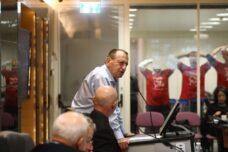 ראש עיריית תל אביב-יפו, רון חולדאי, בדיון על גינת לוינסקי, ב-17 בפברואר 2020 (צילום: אורן זיו)