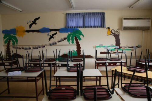 מבחינת משרד החינוך האוצר, לימוד ללא פיקוח הוא לא לימוד. בית ספר שנסגר בגלל הקורונה בצפת (צילום: דויד כהן / פלאש 90)