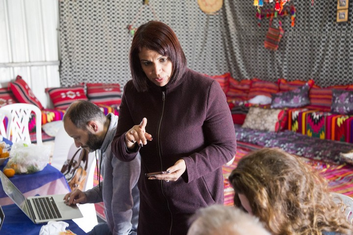 נשים בדואיות לא הרגישו שהן יכולות להיות חלק ממקבלי ההחלטות. חנאן א-סאנע מלקייה, פעילה ביוזמה להסיע נשים לקלפי (צילום: קרן מנור / אקטיבסטילס)