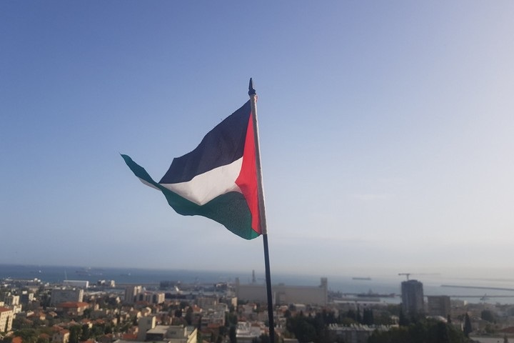 דגל פלסטין בחיפה לציון יום האדמה ה-44 (באדיבות רשאד עומרי)