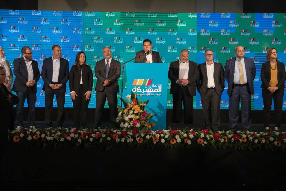 """ח""""כ איימן עודה נואם באירוע הבחירות של הרשימה המשותפת בשפרעם, 2 במרץ 2020 (צילום: אורן זיו)"""