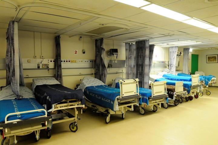 מיטות אשפוז בבית החולים איכילוב בתל אביב (צילום: יוסי זליגר / פלאש90)