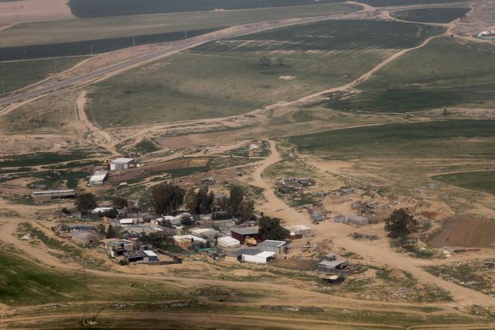 כפר בדואי בנגב (צילום: נתי שוחט / פלאש90)